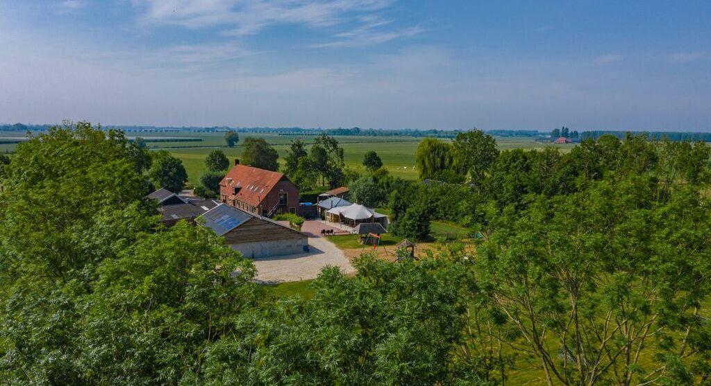 Schilderweek in Nederland, 9 T/M 15 AUGUSTUS 2021, Vakantieboerderij Olpoda, Beneden/Leeuwen bij rivier de Waal in Gelderland.